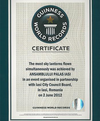 Ansamblul Palas și Iașul au stabilit împreună un nou record: 12.740 de lampioane lansate simultan!