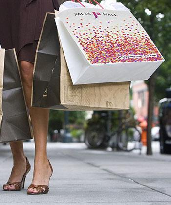 """Concursul """"Noua sacoşă de cumpărături Palas Mall"""" şi-a desemnat câştigătorul!"""