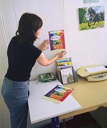 """Angajații din UBC au adunat 400 de cărți în campania """"Maria citește"""""""