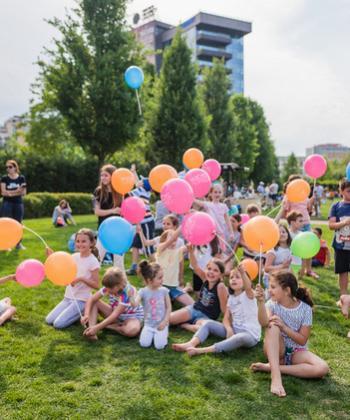 Jocuri antrenante, ateliere creative și proiecții de animații, pe 1 iunie, la Kiddy Festival, din Iulius Parc