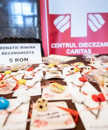 Angajații din clădirile de birouri Palas au donat peste 7.000 de lei cumpărând mărțișoare create de persoane defavorizate