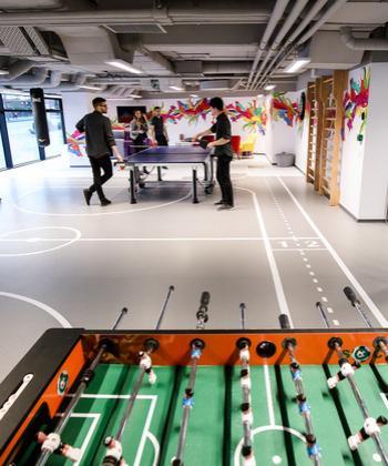 IULIUS View: Endava – Mai mult decât un birou, un sediu creativ, cu spații tematice și săli de sport