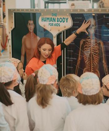 Peste 1.500 de copii au descoperit corpul uman cu ajutorul expoziției interactive de la Iulius Mall Suceava