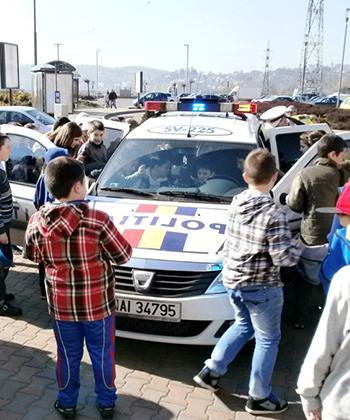 Activităţi educative şi distractive pentru elevi, la Iulius Mall Suceava
