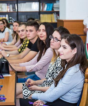 """30 de tineri au aflat mai multe despre contabilitate, într-o nouă ediție a evenimentului """"Ready"""", organizat de Iulius"""
