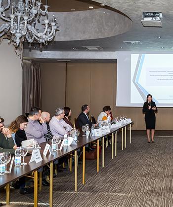 30 de companii din Iași dezbat așteptările studenților de la un loc de muncă