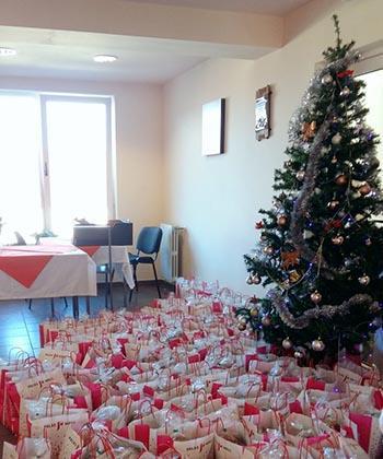Palas l-a trimis pe Moș Crăciun să ducă daruri copiilor și bătrânilor